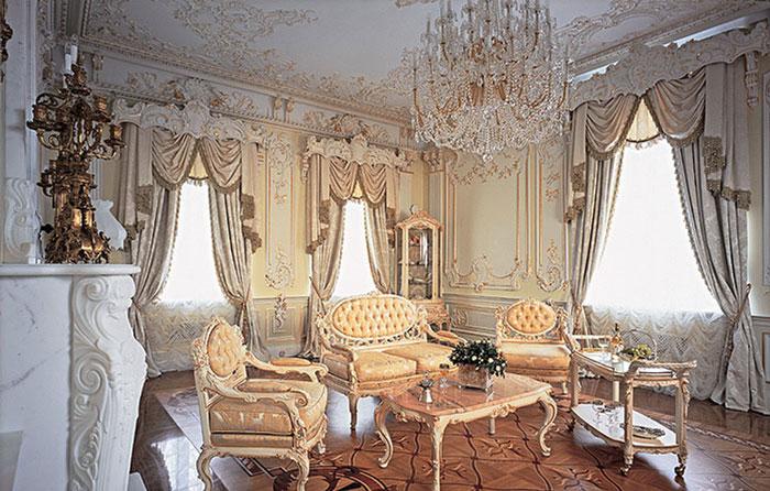 Шторы в гостиную классические фото