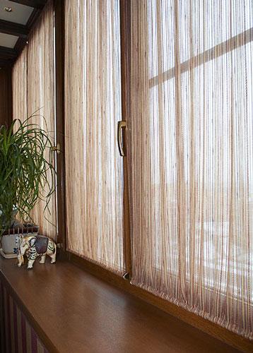 Как занавесить окно на балконе своими руками 52
